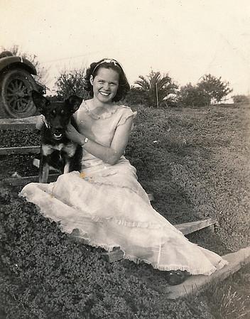1921-1939 : Childhood