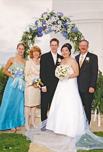 2002 : Post wedding photos ... The new Main family!  (paid photographer photo)