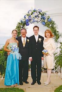 2002 : Post wedding photos ... The original Main family (paid photographer photo).