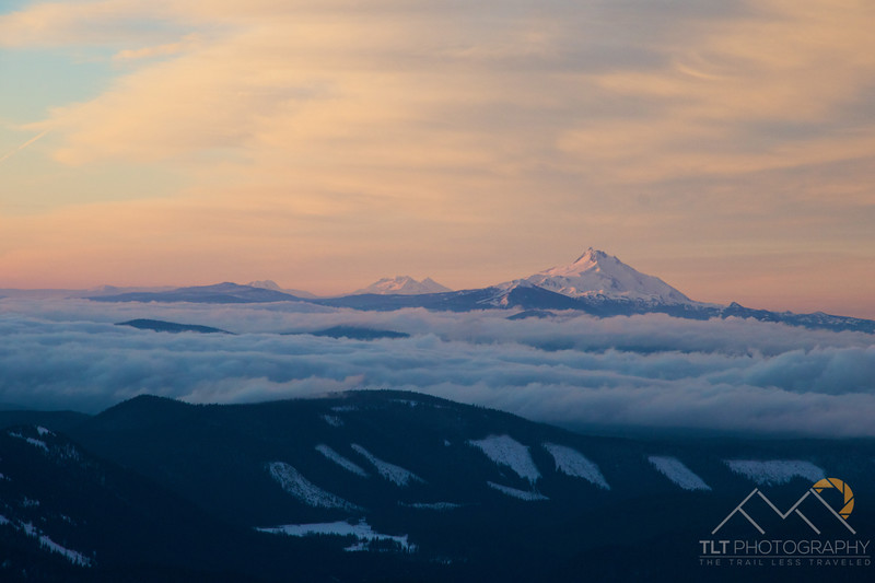 Looking south down the Cascades towards Jefferson and the Sisters from Timberline Lodge. Please Follow Me! https://tlt-photography.smugmug.com/