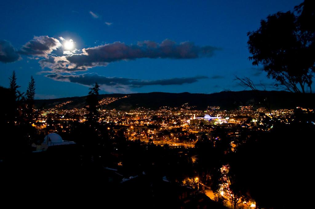 """<b>Colombian Nightlight</b>"" - Bogotá · Colombia"