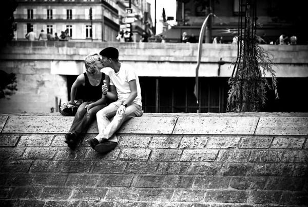 """Parisian Kiss"" - Paris · France"