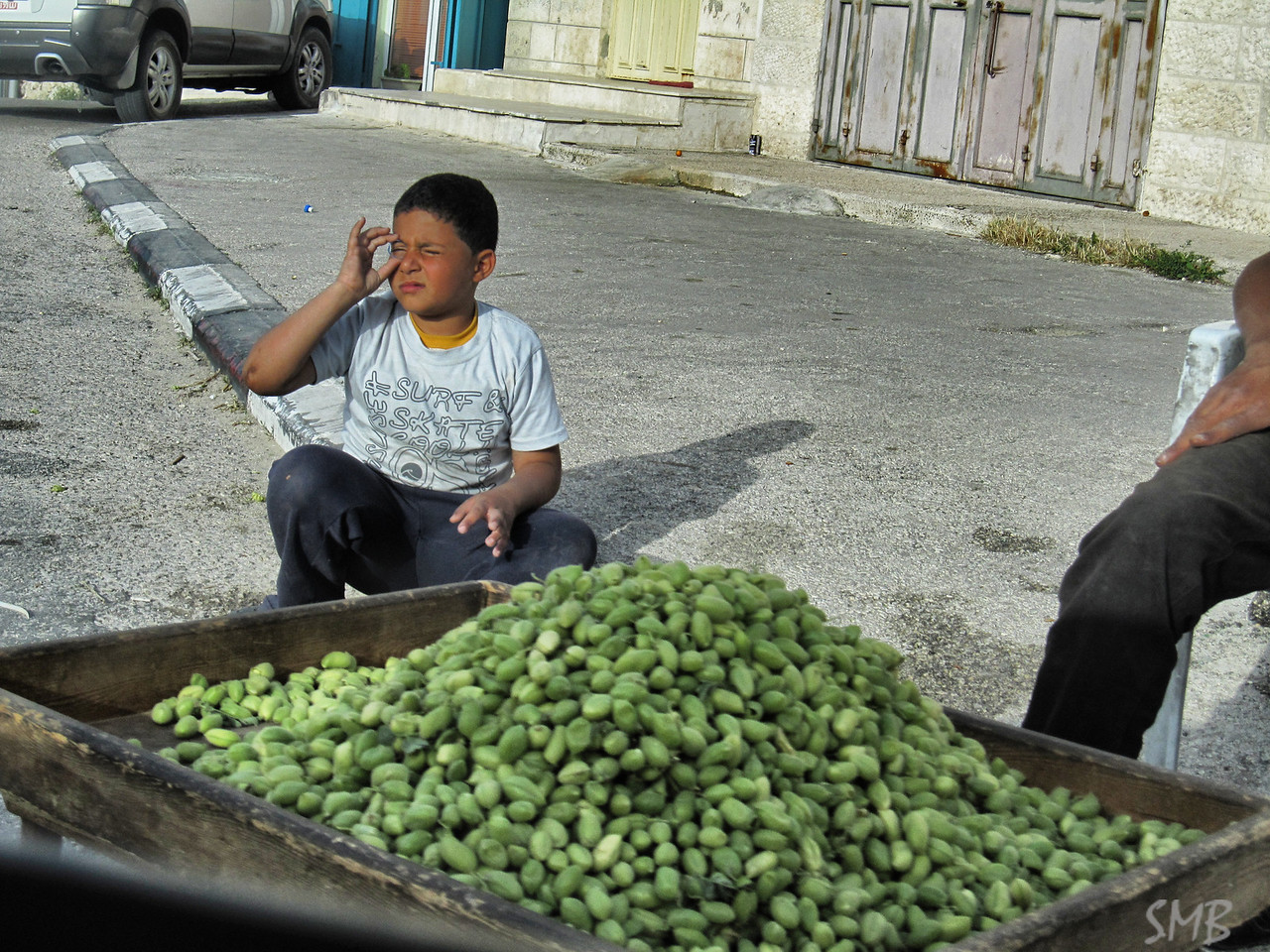 Not sure what these green things they were selling are, but they seemed to be everywhere...<br /> <br /> Bethlehem, Palestine