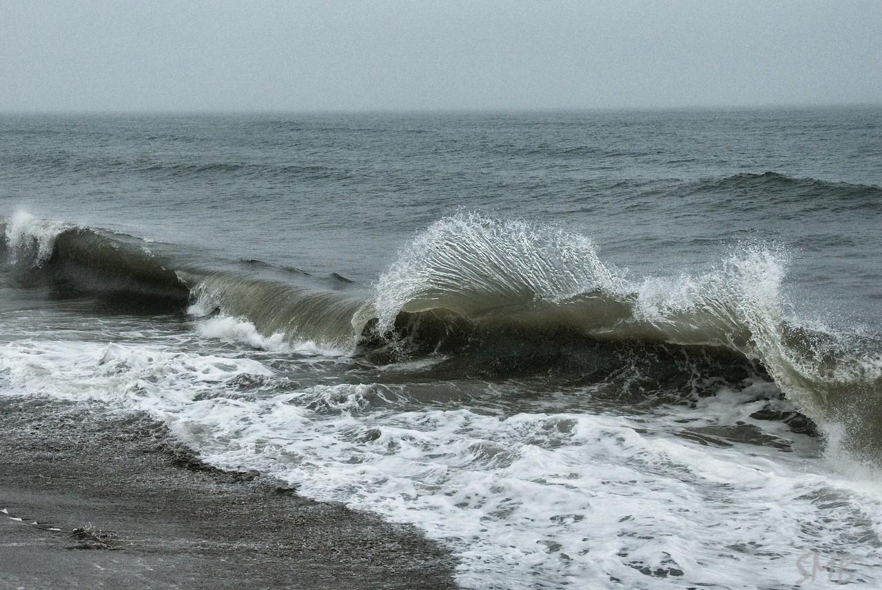 Wave!!<br /> <br /> Camp Ellis, Maine