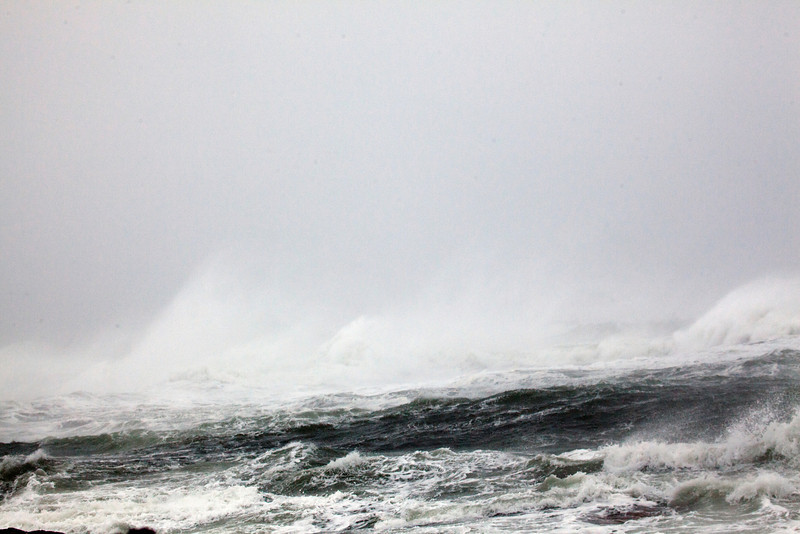 storm waves 9087