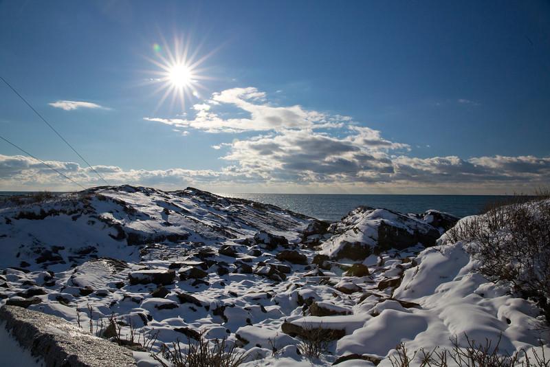 Rocks sun C9357