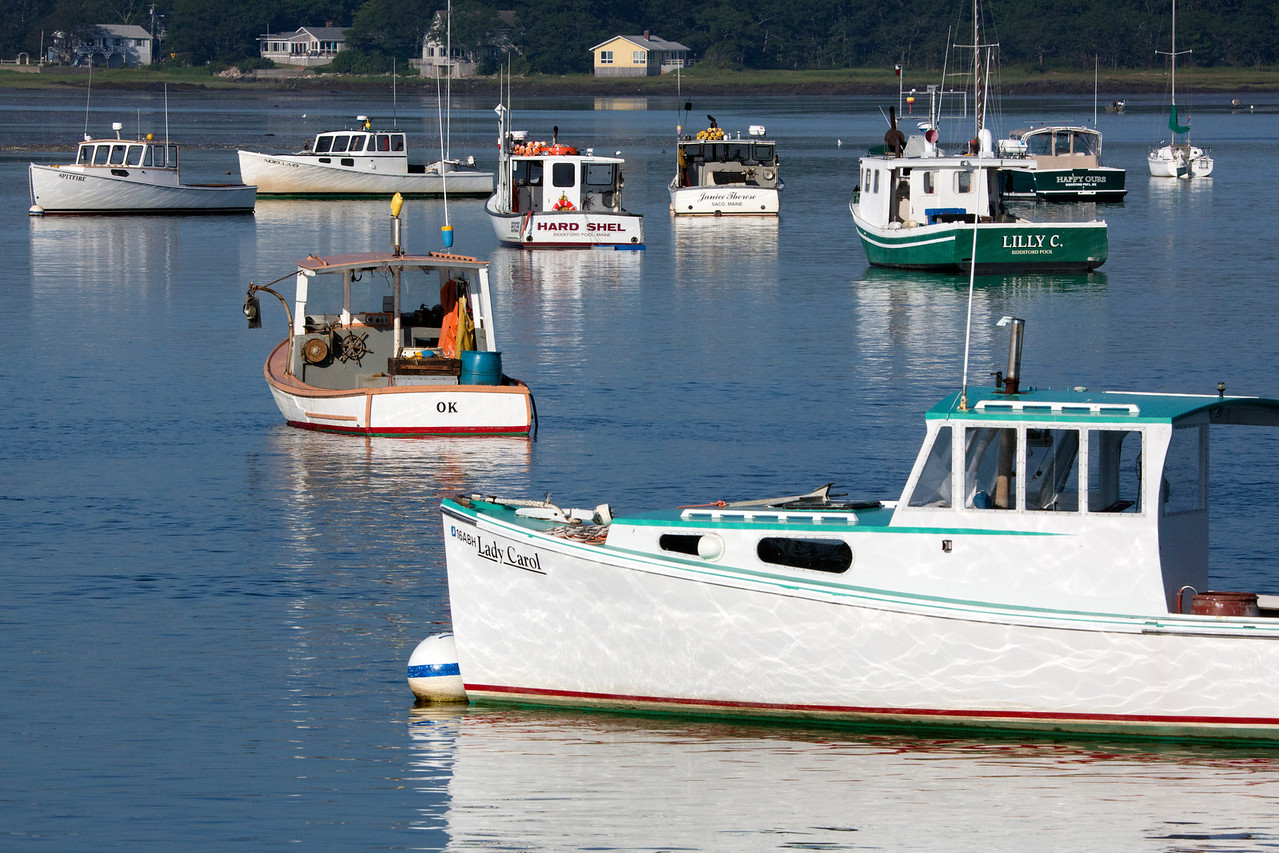 LobsterBoats light C6739