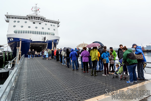 Folks lined up in the rain to get a tour of the Nova Star.