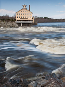 Spring Flow in the Androscoggin River and the Bowdoin Mill, Topsham, Maine  (4635)