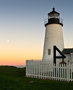 Lighthouse and Moonrise (10416)