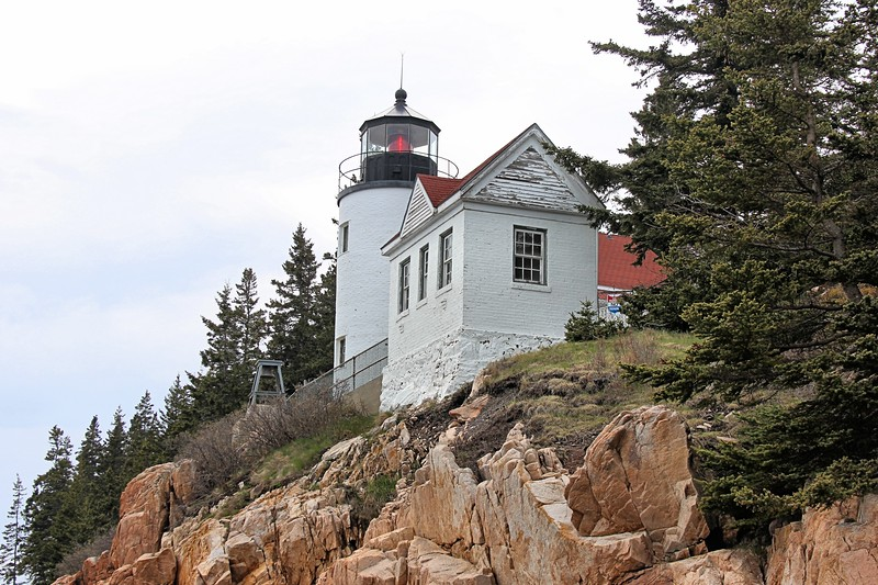 In 2017 the Coast Guard transferred ownership of the lighthouse & grounds to Acadia National Park.