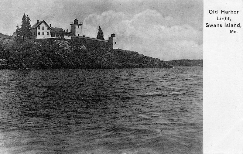 Old postcard view shows the original front range light before it was removed