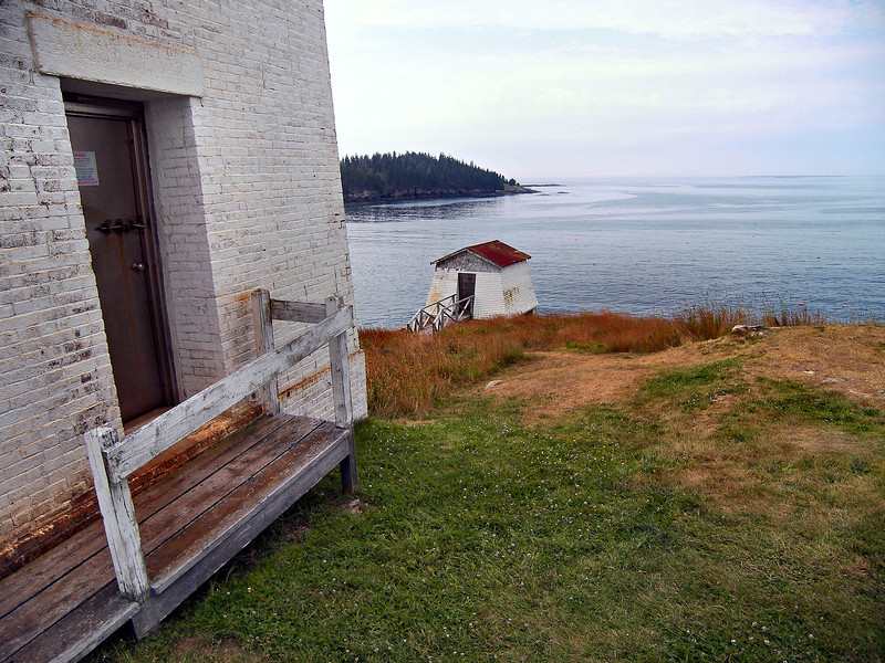 In 1911 a bell tower for a fog signal was built on the spot of the old front range light.