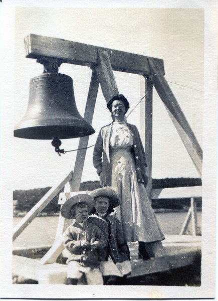 An old picture of the fog bell used on Curtis Island. I have not been able to identify the people in the picture, but they could be part of the Keepers family.