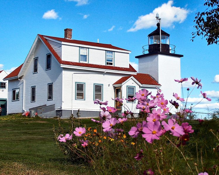 The plot of land purchased for lighthouse purposes was 10 acres at the highest point near the entrance to the Penobscot River.