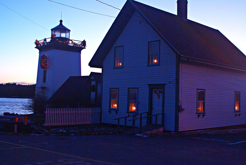 The Sailors Museum in the keeper's house is open to the public during the summer and the lighthouse is decorated for the holidays during the Christmas season.