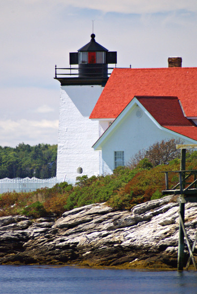 The location chosen for the new light station was the western point of Southport Island marking the eastern side of the entrance to the Sheepscot River.  This point was known as Hendricks Head named after an early settler of the island.