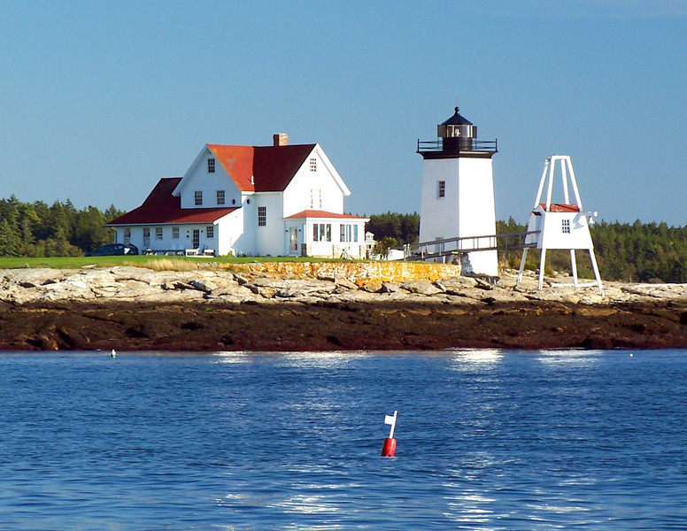 After receiving petitions for a lighthouse from residents of Sheepscot Bay, Congress appropriated $5,000 in May 1829 for the construction of a light to mark the entrance to the Sheepscot River.
