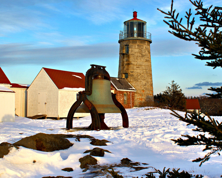 In May 1822 Congress responded by appropriating $3,000 for the construction of the Monhegan Island Lighthouse.  A 2 acre plot of land atop Lookout Hill (now known as Lighthouse Hill) was purchased for $100 for the lighthouse station.  In November 1823 a contract was awarded to Noah Humphrey and Jairus Thayer of Hingham, Massachusetts to build a tower and keepers dwelling for $2,969.