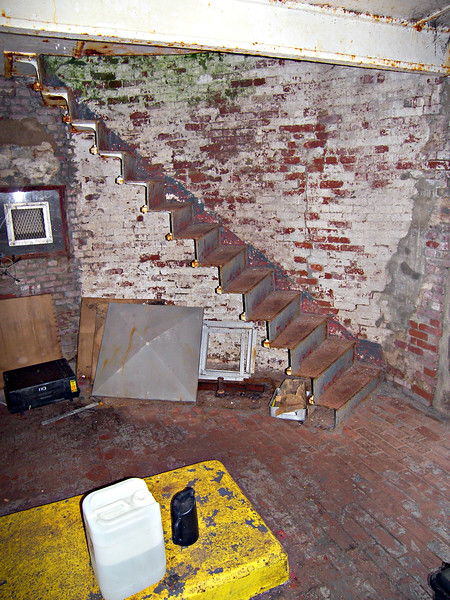 The 48 foot granite tower was built separate from the keepers dwelling.  The old wooden tower was removed from the stone dwelling which continued to be used as housing for the Keeper and his family.