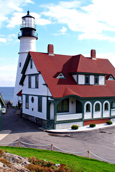 After ratification of the Constitution in 1789 the responsibility for lighthouses was passed from the states to the federal government.  Congress appropriated an additional $1500 in August 1790 to complete the structure as the first lighthouse built by the federal government.