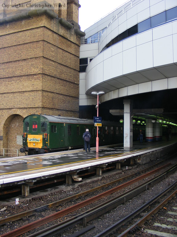 1001 rolls into the rebuilt Cannon Street station