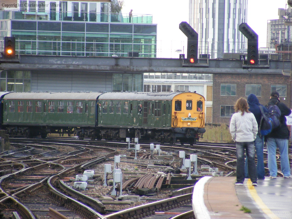 1001 arrives from Hastings
