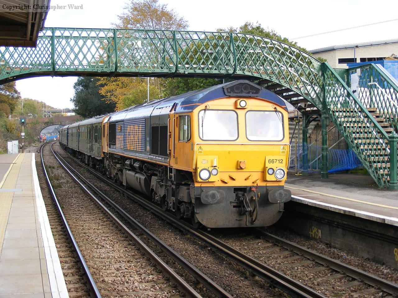 66712 draws to a halt for a signal check