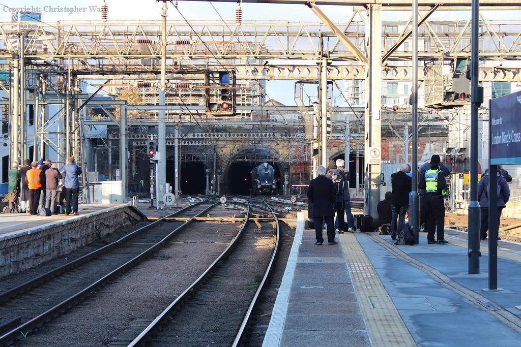 60009 emerges from Copenhagen Tunnel into Kings Cross