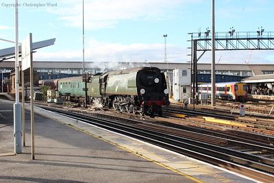Tangmere creeps through Clapham Junction