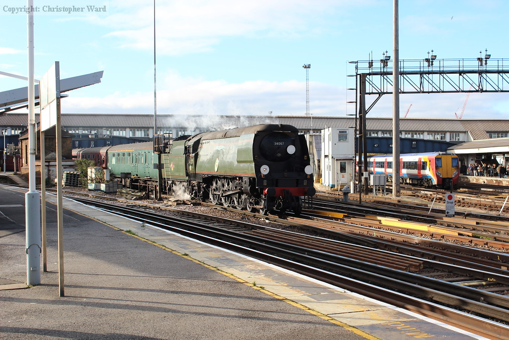 Tangmere creeps through Clapham Junction