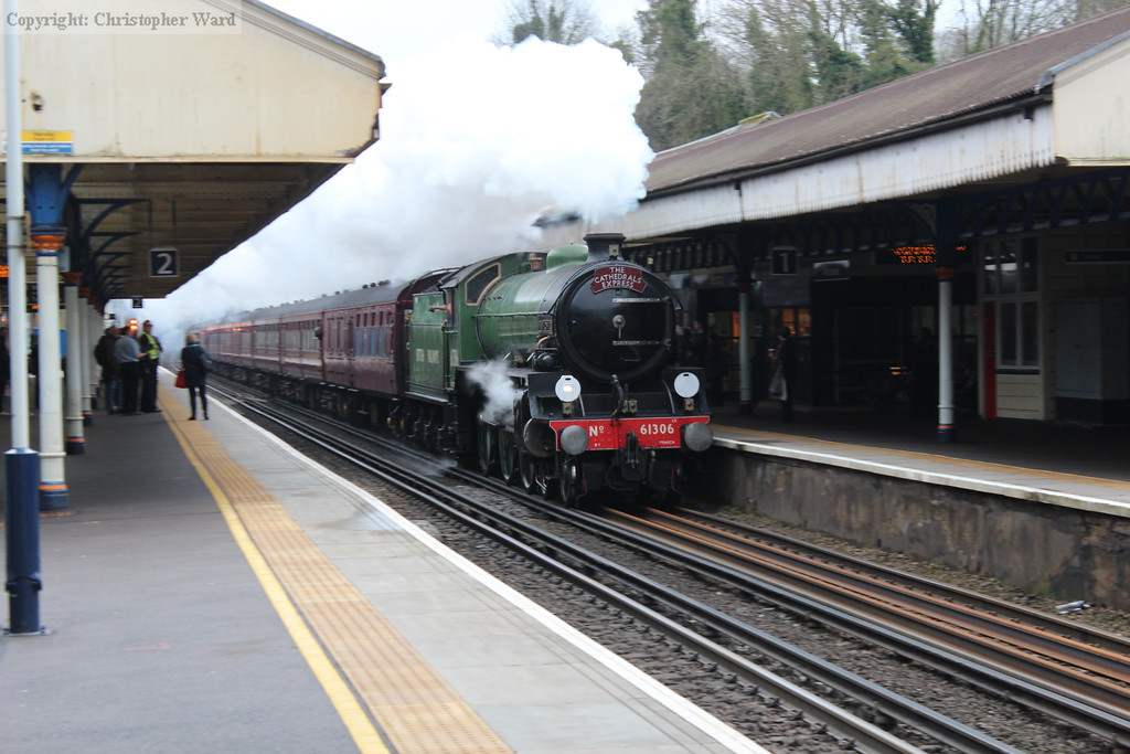 61306 thunders through Winchester at speed