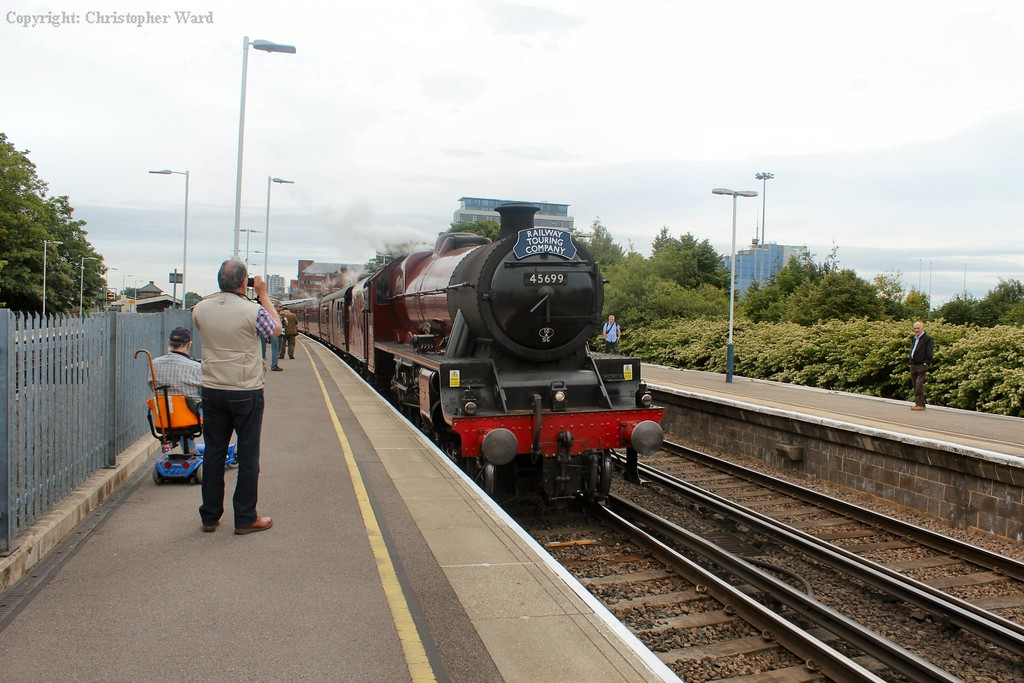 Galatea slows for the Basingstoke stop