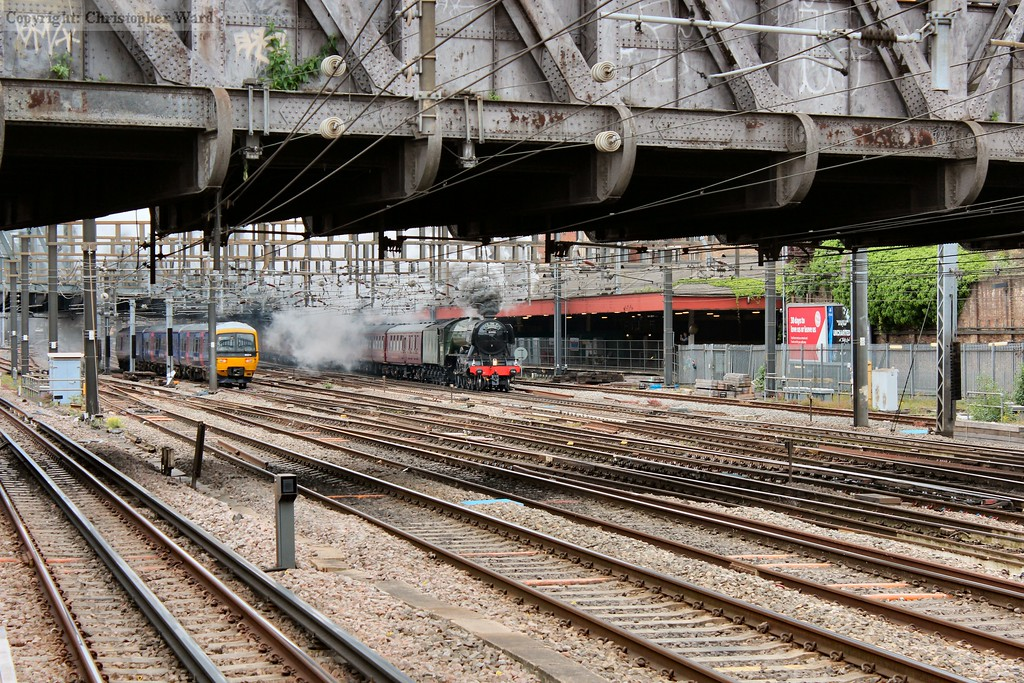 Flying Scotsman gets into her stride pulling away from Paddington