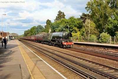 Flying Scotsman accelerates through Brookwood