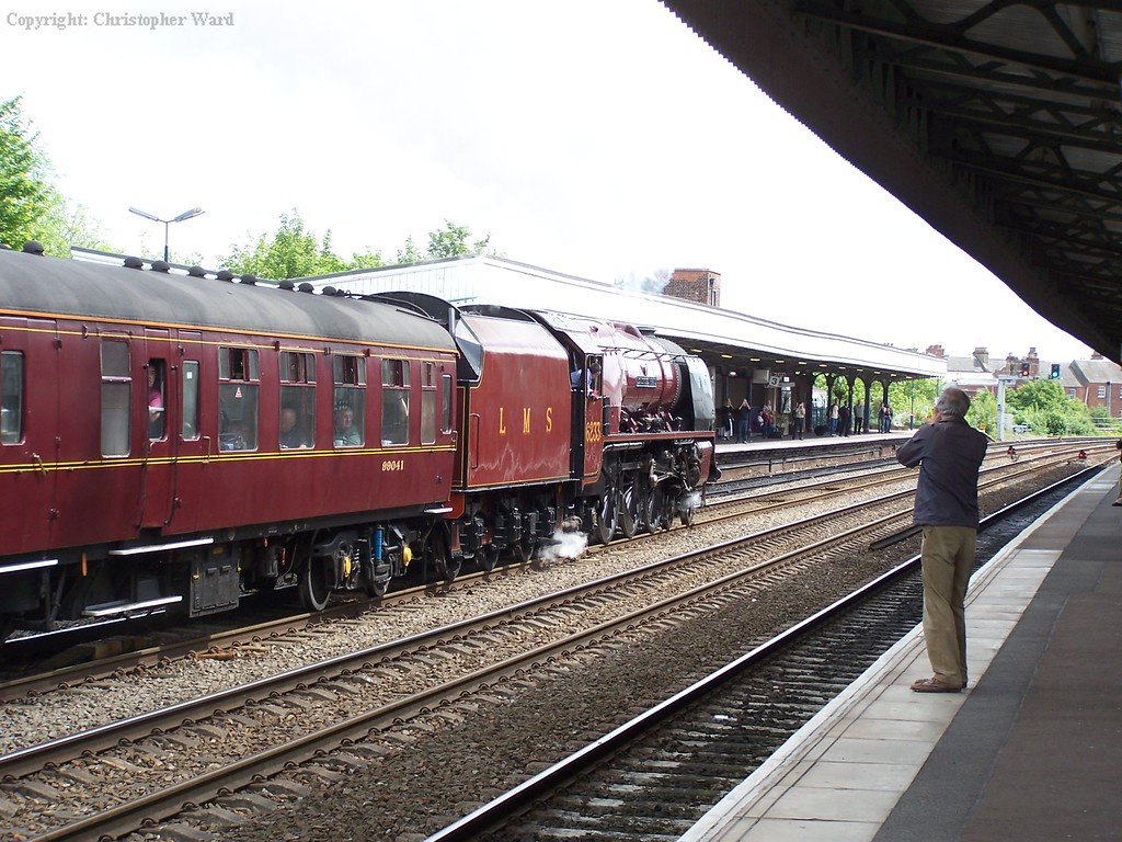 6233 passes through Leamington Spa