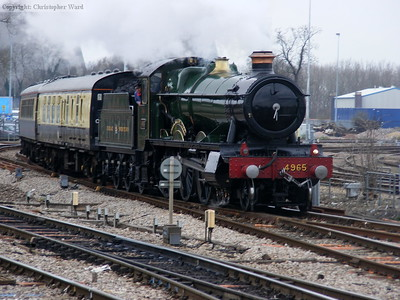 4965 draws into Didcot Parkway