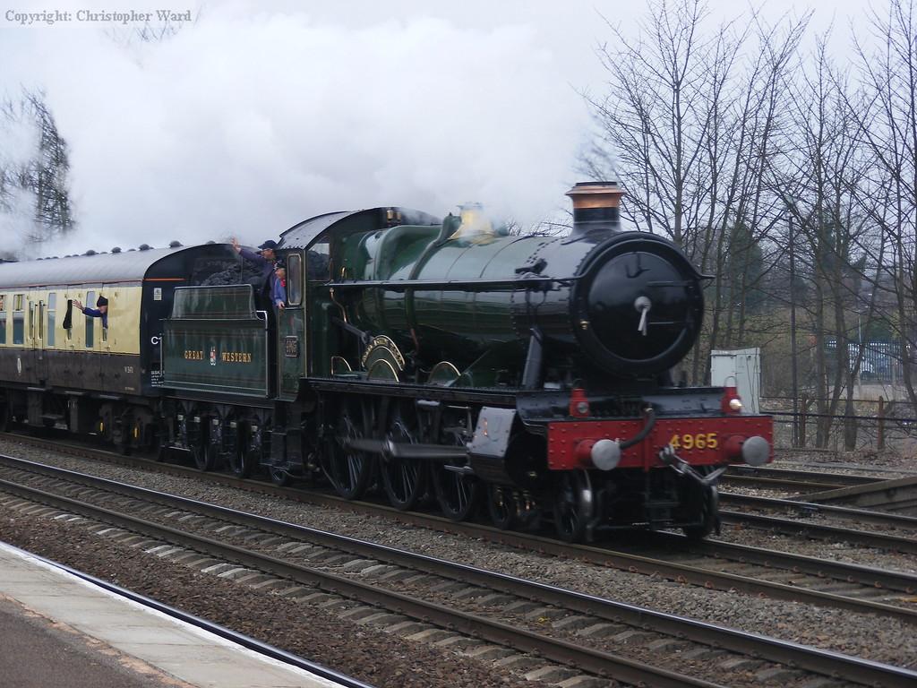 4965 passes Leamington Spa