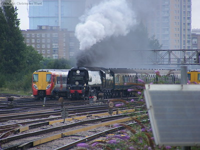 Clapham commuters meet 34067