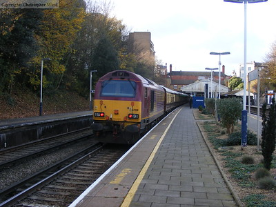67019 tails the train through Putney
