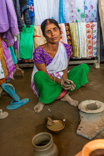 Woman at Majuli makes pot without  a wheel