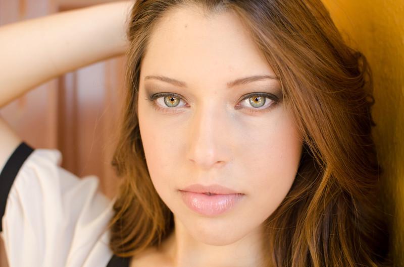 Model: Lina Marroquin Makeup: Ande Castaneda Photo: HTR Images