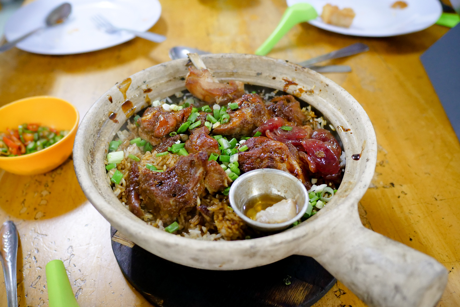 You have to order at least one claypot when you visit Heun Kee Claypot Chicken Rice on your next visit to Kuala lumpur, Malaysia