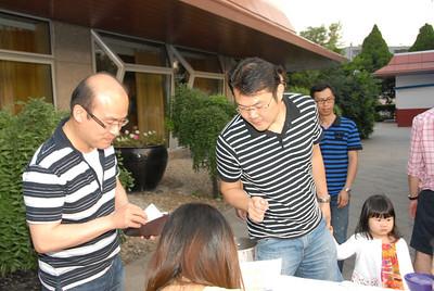 Sim Joh Khuang of LehmanBrown & Kelviz Lim of Ascott