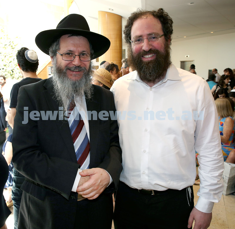 Malcolm Turnbull at Central Shule. Rabbi Michoel Guararie (left) & Dr.David Leinkram. Pic Noel Kessel.