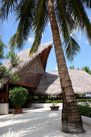 Vakarufalhi (Vakaru) Beach Resort, South Ari Atoll, November 2007