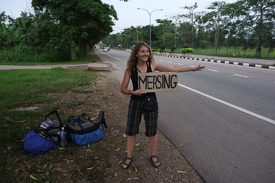 Martusia udaje sie do Mersingu - tle widac policje :)