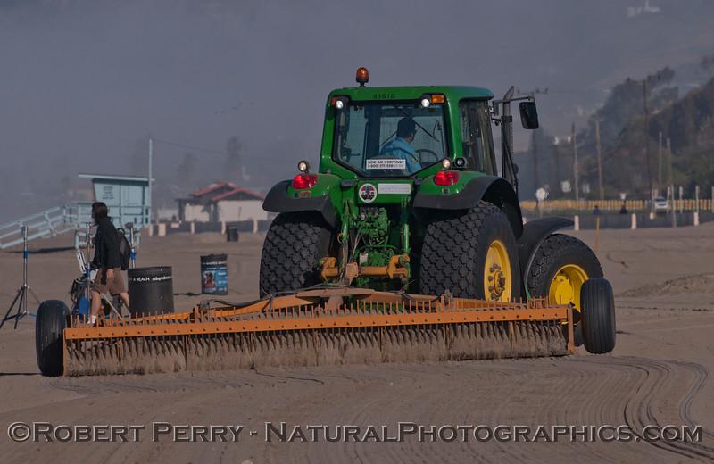 beach grooming tractor