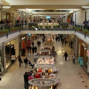 Mall/Shopping Centers