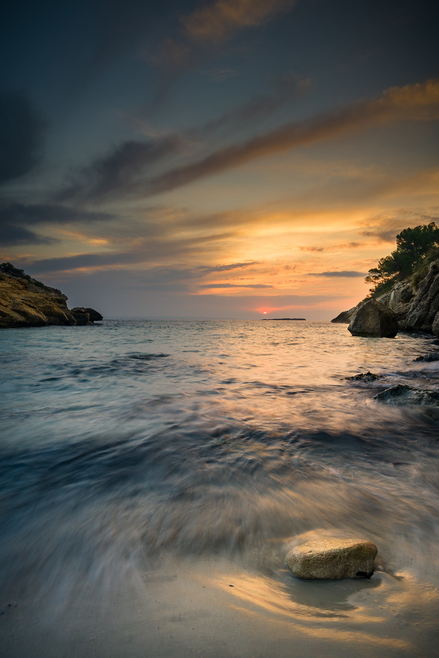 Sunrise in Cala de Sa bella dona